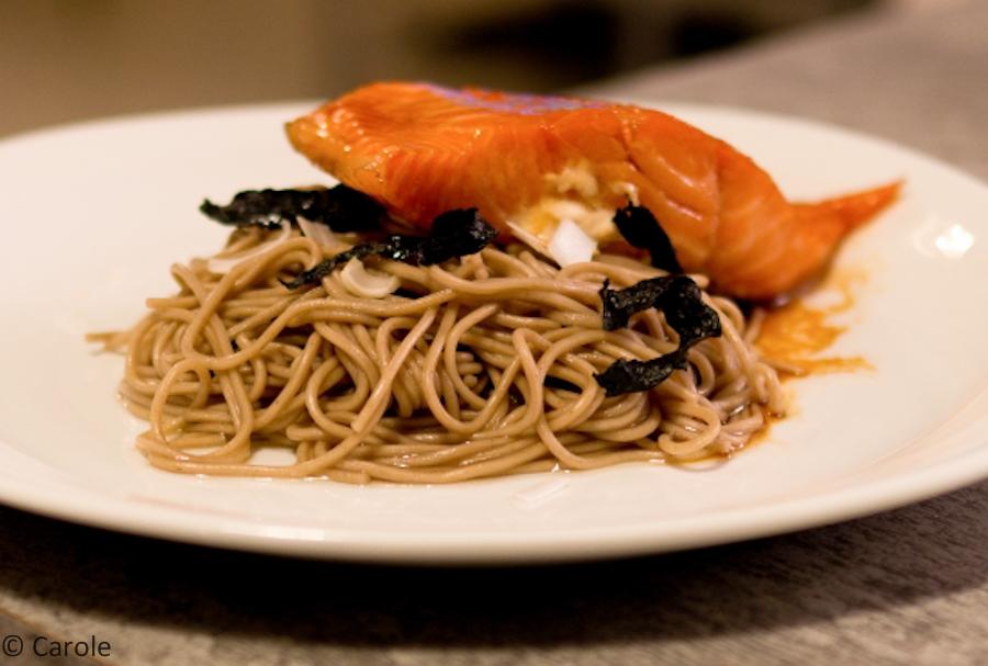 06092011-nouilles soba en salade et saumon teriyaki