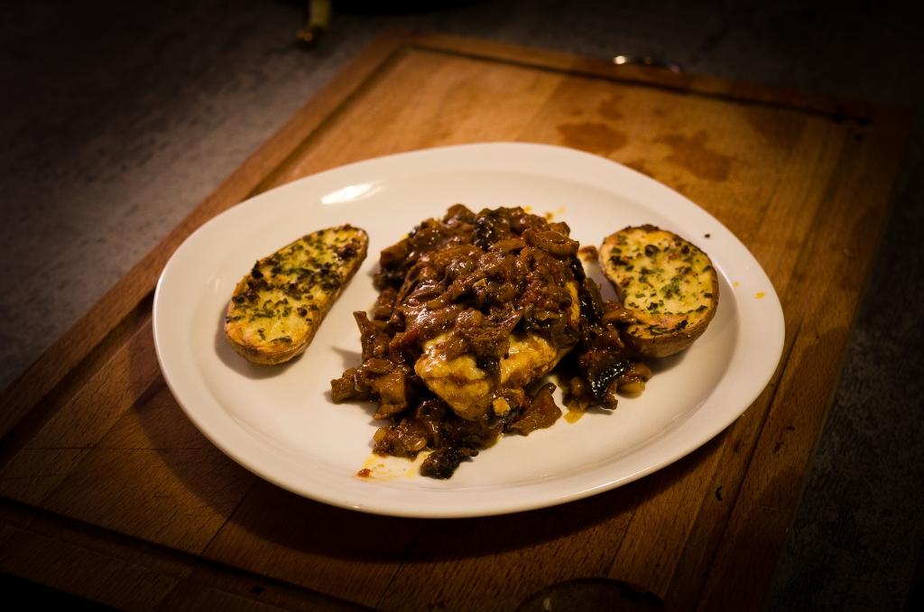 poulet saut sauce chasseur et ses patates persill es les exp riences culinaires de carole. Black Bedroom Furniture Sets. Home Design Ideas