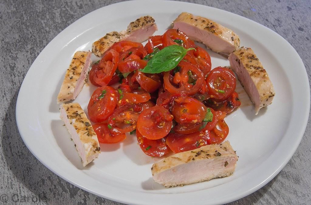 salade tomates cerises poulet poivrons