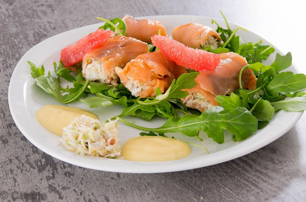 rouleaux saumon crabe