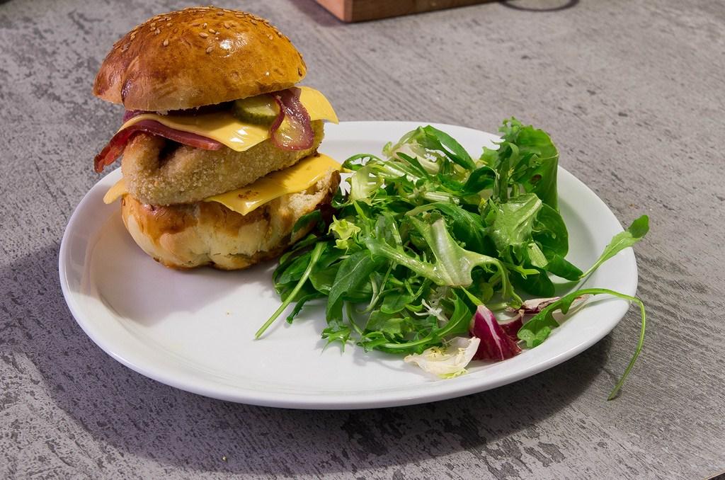 burger g ant de poulet ma fa on les exp riences culinaires de carole. Black Bedroom Furniture Sets. Home Design Ideas
